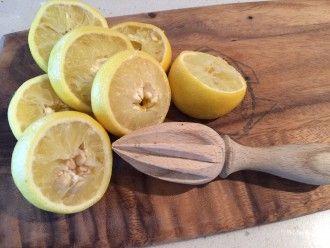 Natural honey & lemon face mask http://www.therefreshproject.com.au/body/natural_honey-lemon-face-mask/