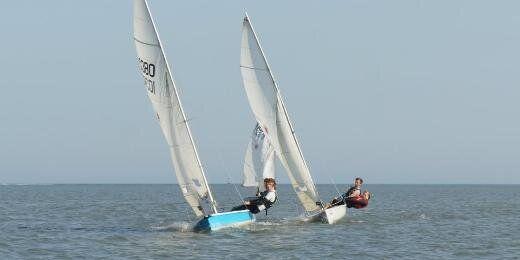 Swansea University Sailing Club (pic via @swanseasailing)
