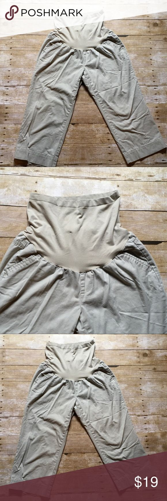 """Oh Baby! By Motherhood Maternity Capri pants ❤️Description: full panel, 4 pockets ❤️Condition: excellent used ❤️Brand: Oh Baby! by Motherhood Maternity ❤️Size: medium ❤️Color(s): khaki ❤️Measurements: --laying flat--      Rise  14"""" including panel      Inseam  20.5""""      Leg opening 9"""" at bottom hem ❤️Notes: 💕Bundle & save!💕 💕All reasonable offers are considered!💕 Oh Baby by Motherhood Pants Capris"""