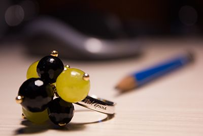 Collezione anelli tu! donna Anello ciuffo in argento con pietre in agata nera e giada verde. disponibile su: http://www.argentoro.it/it/anelli