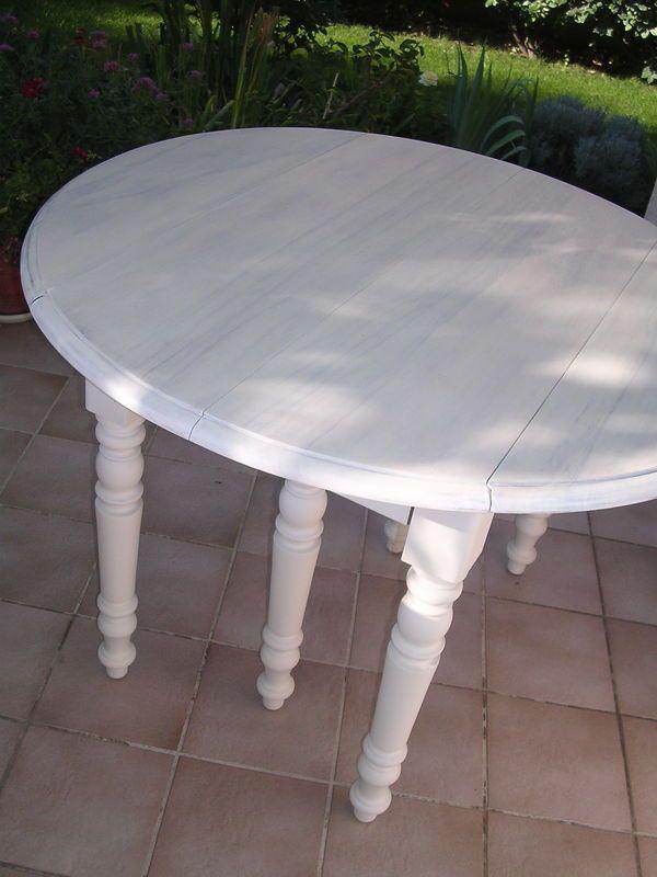 Les 66 meilleures images propos de d co restauration et transformation de m - Repeindre une table de cuisine en bois ...