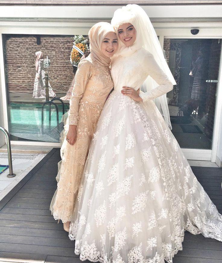 Yeni haftaya bir gelinlik ve bir özel gün elbisesi ile merhaba diyelim  elbise ve gelinlik online.gonulkolat.com.tr ve Alemdağ Cad no78 Ümraniye çarşı da