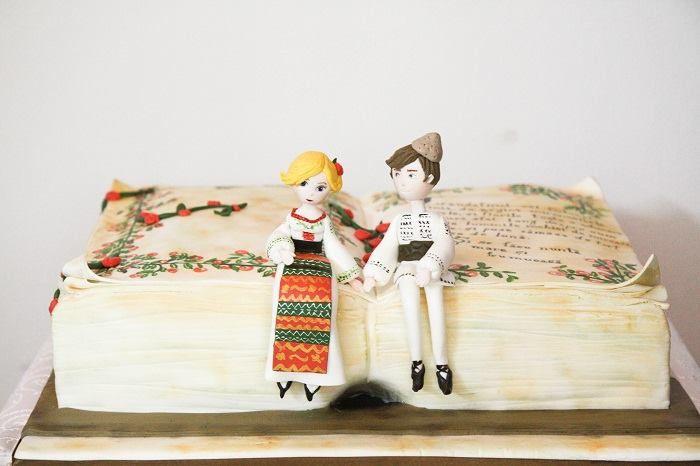 Tort de nunta facut de Cookie Jar https://www.facebook.com/photo.php?fbid=567773026592386&set=a.386436171392740.75795.179060605463632&type=3&theater