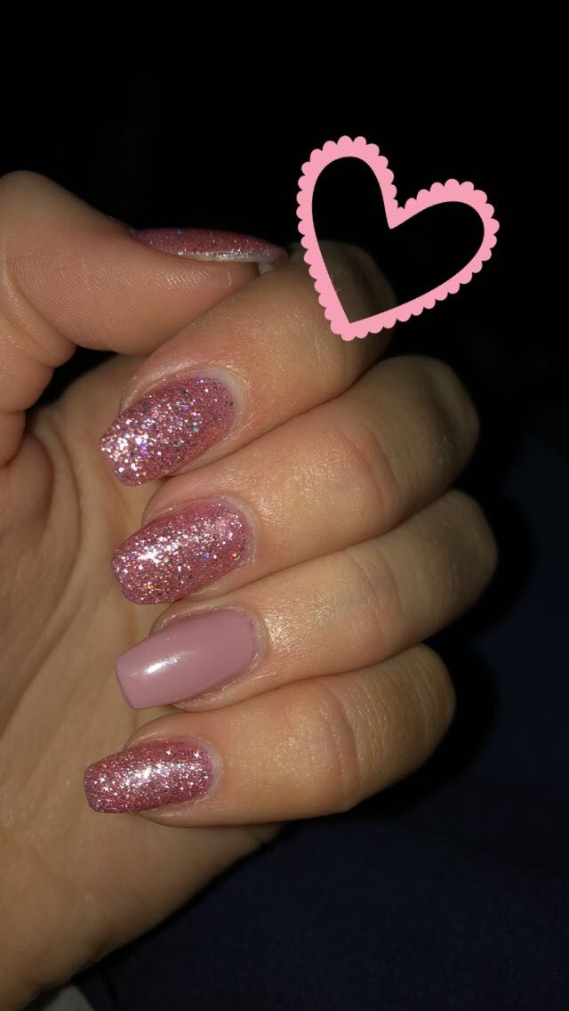 Pink Sparkle Nails With Alternate Pink Ring Finger Short Coffin Pink Sparkle Nails Pink Nails Acrylic Nails Coffin Glitter