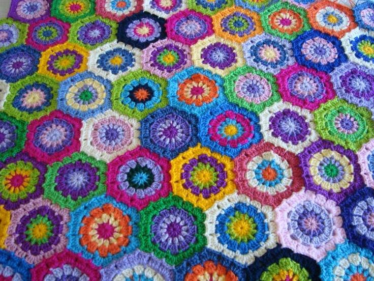 Colchas tejida con pastillas colchas de retazos y flores - Colchas a ganchillo muestras ...