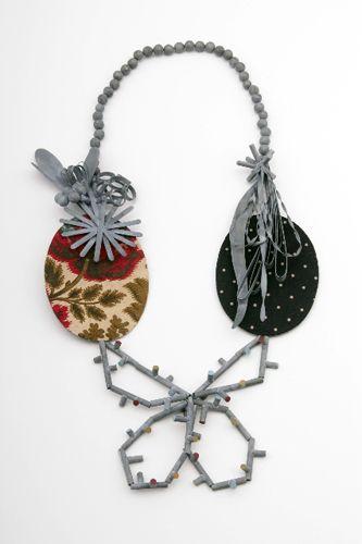 Lucy SarneelJewelry Metalsmithing, Di Lucy, Jewelry Inspiration, Contemporary Jewelry, Lucy Sarneel Nl, Art Jewellery, Lucy Saarnel, Kransen Art, Art Jewelry