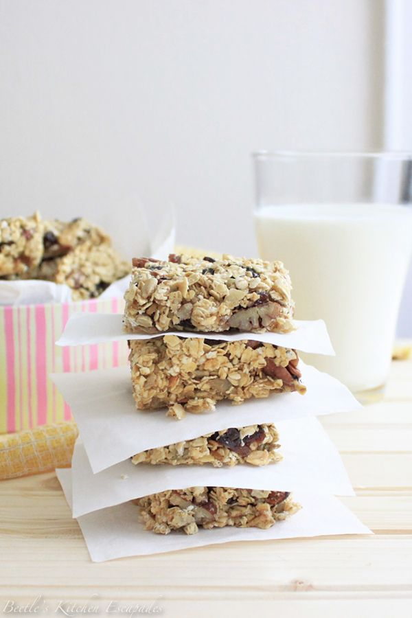 Beetle S Kitchen Escapades Breakfast Bars By Nigella Lawson Easy Breakfast Bar Breakfast Bars Tasty Dishes