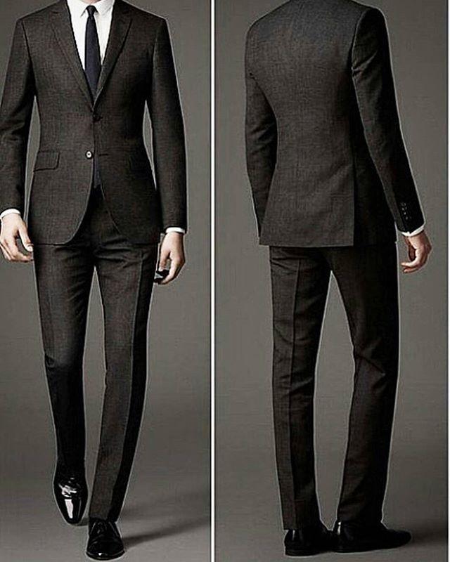 Ternos super slim fit tendências no mundo da moda. #modamasculina #ternos…