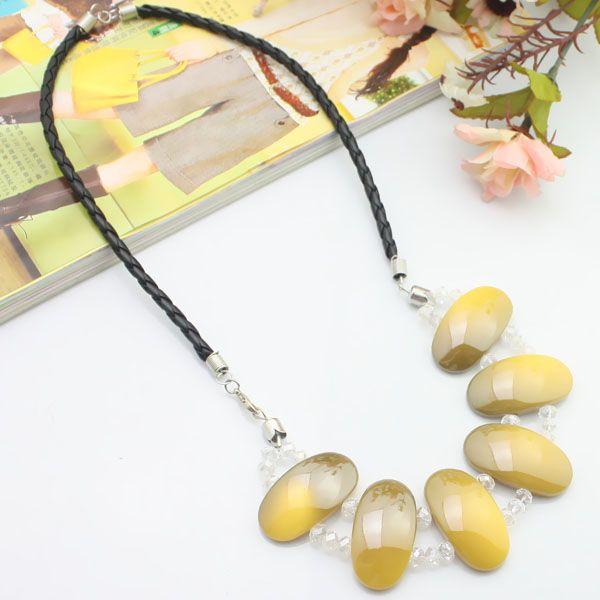Cordon en cuir jaune + acrylique + collier en cristal