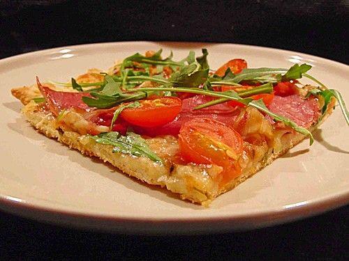 Rucola - Pizza mit Parmaschinken, ein raffiniertes Rezept aus der Kategorie Pizza. Bewertungen: 145. Durchschnitt: Ø 4,5.