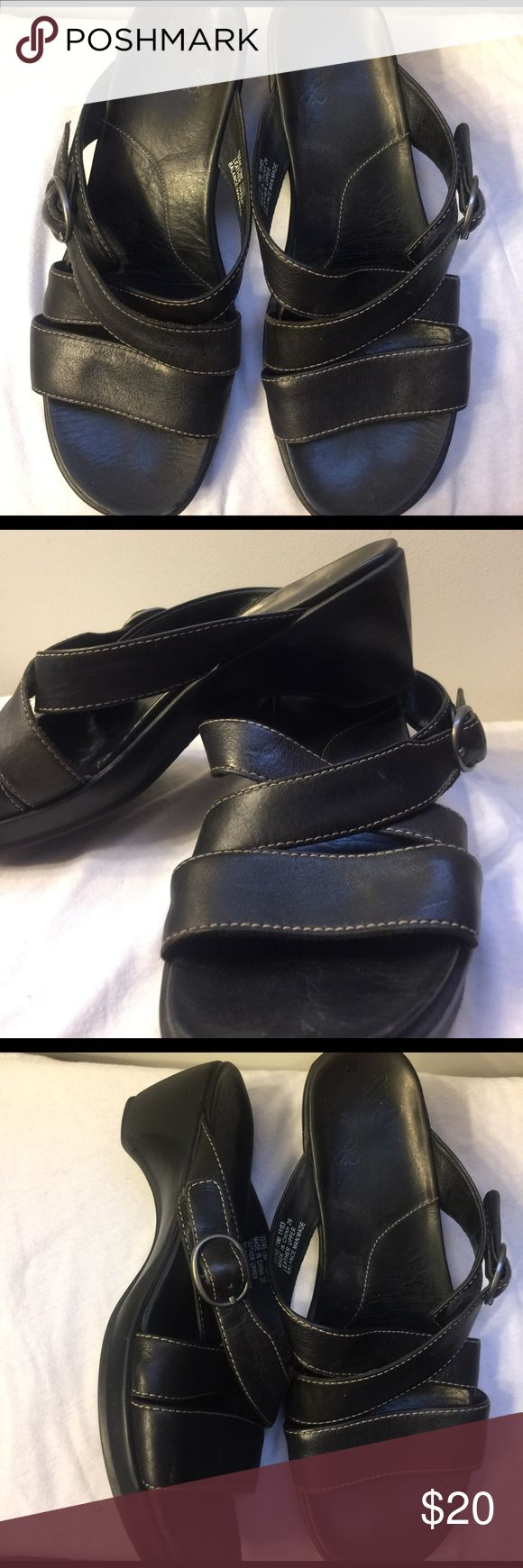 Clarks Sandals Size 7 1/2 $20 Clarks Black Leather Sandals Size 7 1/2 $20 Born Shoes Sandals