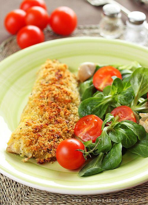 Merluciu in crocant de cartofi retete culinare cu peste. Reteta cu file de merluciu. Ingrediente si preparare file de merluciu in crocant de cartofi.