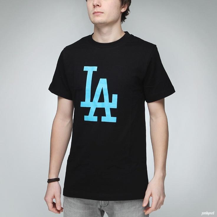T-shirt från Majestic.