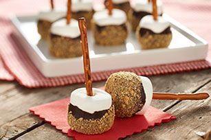 All your girlfriends will want S'more HONEY MAID Graham Cracker Marshmallow Pops. Deliciousness on a stick!