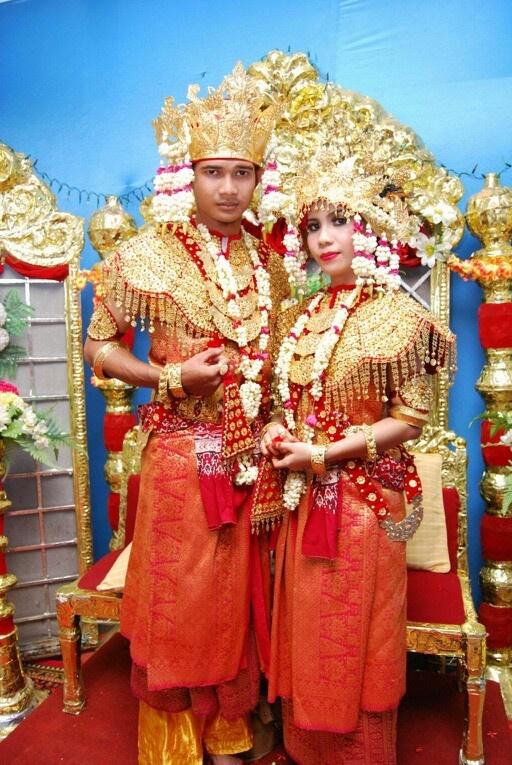South sumatra tradisional wedding costum, Indonesia