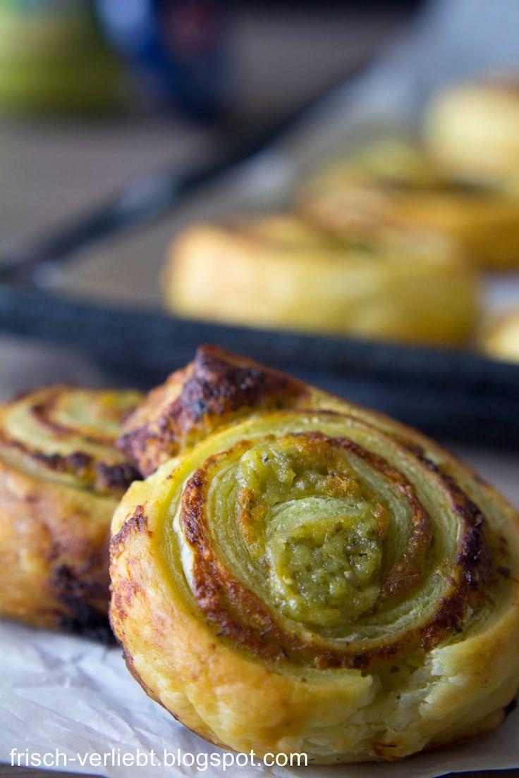Blätterteig-Schnecken gefüllt mit Pesto & Parmesan von Frisch Verliebt
