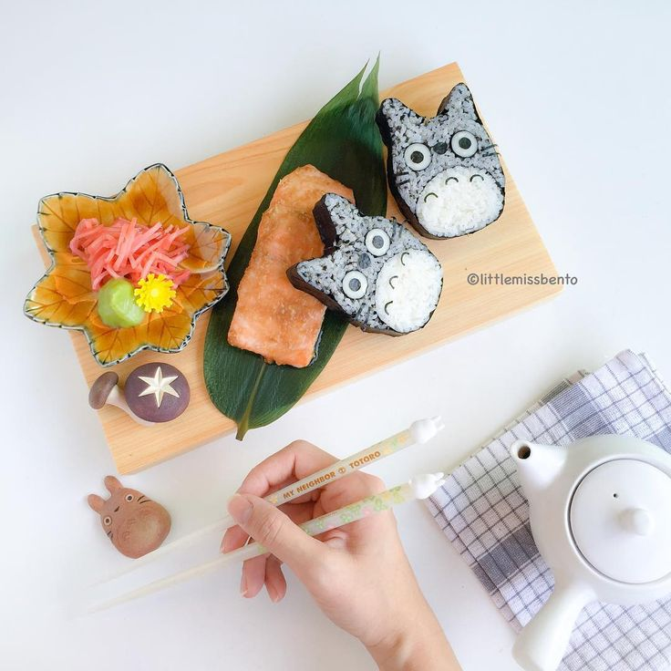 """[#Workshop Shoutout] In celebration of Sushi Day on 1 Nov, @spoonful.sg has invited me to teach this Totoro Deco Sushi.  This will be a hands-on class to…"""