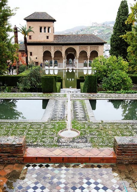 The Alhambra #Travling #Spain mindfultravelbysara.com