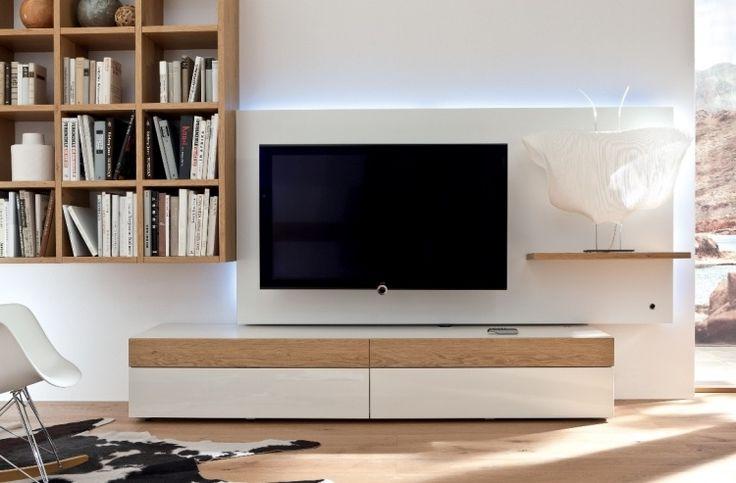 Kombination aus weißem Hochglanz und Holz