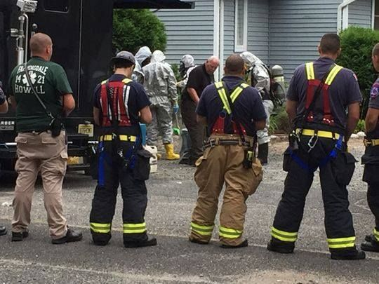 2 #Arrested In #Synthetic #Drug #Bust In Long Island City, #Queens ------- Over the scene as #chemists in protective #hazmat #suits along with #state #police and #federal #drug #enforcement #agents  raided the waterfront building on Center Boulevard in Long Island City,  ----- ➡ http://newyork.cbslocal.com/…/queens-synthetic-drug-lab-ra…/ ----- #Related #Articles ------- Cops, DEA swarm Howell house; #resident #charged in #online #drug #ring ➡…