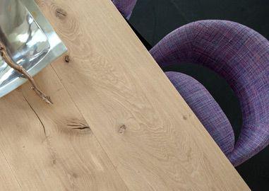 Wij kunnen elke tafel ontwerpen en maken die u wenst; van robuuste, stoere tafels met eiken tot design tafels met koperen onderstel en industriële tafels.