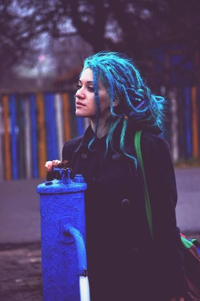 i don't like coloured hair, but this is a great picture ! :: #dreadstop