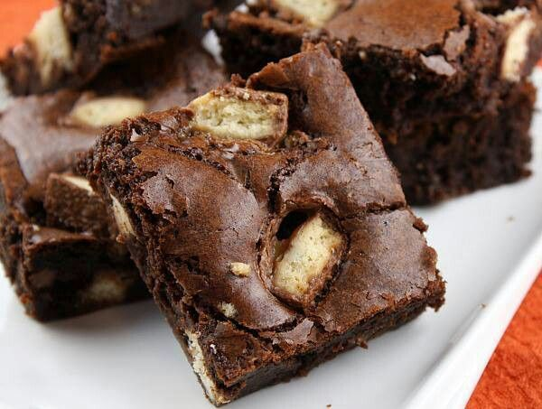 Twix brownies | FOOD! | Pinterest