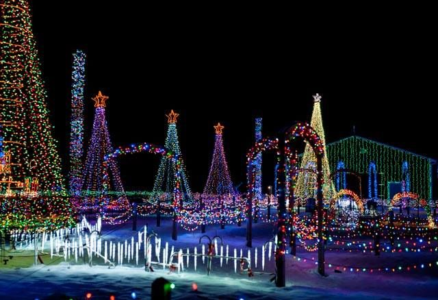 Here Are The 13 Best Christmas Light Displays In Ohio. They're Incredible.