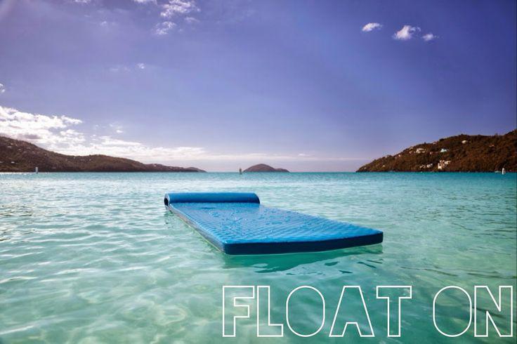 Galleggiare senza pensieri, cullati dal dolce dondolio delle onde... #lavitahabisognodicaraibi Isole Vergini Statunitensi #Caraibi