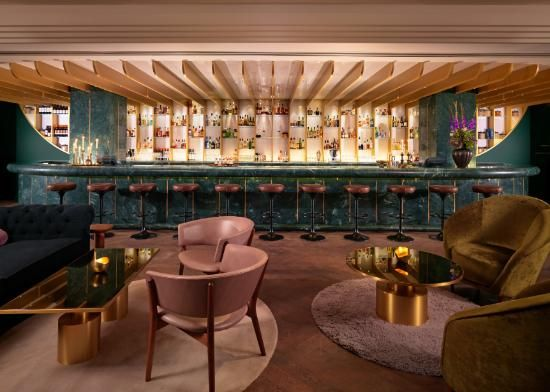 Traditional Space With Modern Bar. Dandelyan, Modrian Hotel London