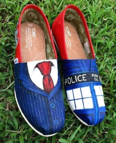 inspired Painted Toms Shoes, Hand-painted Canvas Flat Shoes http://www.justtrendygirls.com/hand-painted-canvas-flat-shoes/