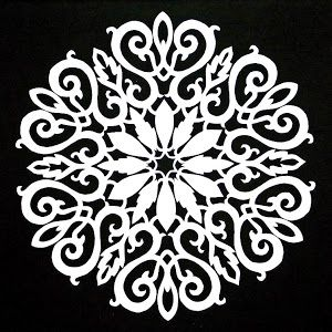 The Quilt Rat: Cutting Paper Snowflakes