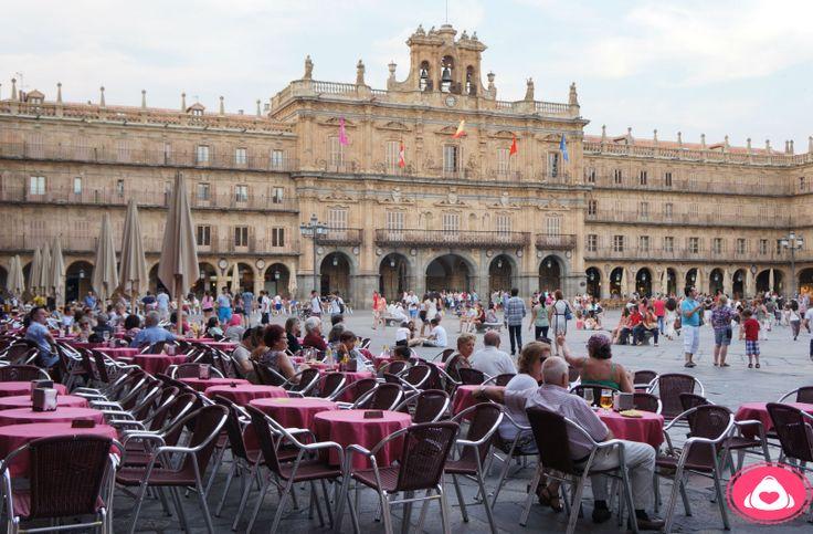 Plaza Mayor y Restaurantes.