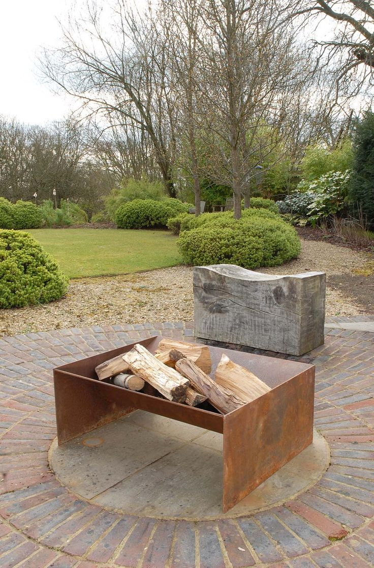 www.pinterest.com/1895gunner/ | Chunk hearth pit from magmafirepits, sturdy 5mm s....  See more at the photo link