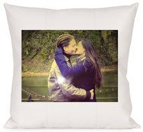 Stuur een leuke foto en krijg deze geweldige kussen voor een vriendin. Een kussenhoes wordt veelal bedrukt voor verjaardagen, leuke feestdagen