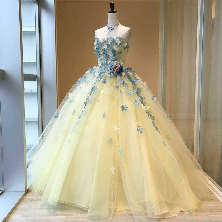 Ivory wedding dress looks yellow tastes