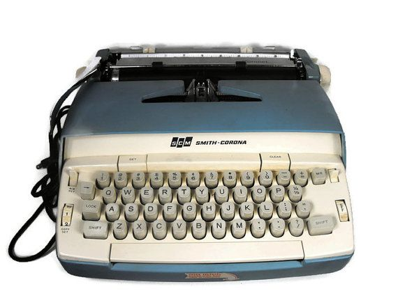 Vintage Smith Corona Typewriter  Not working Turns on and