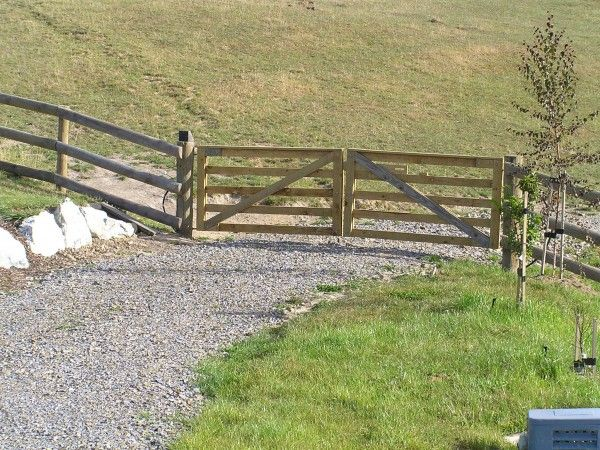 Wooden Farm Fence 46 best farm fencing images on pinterest   farm fencing, horse