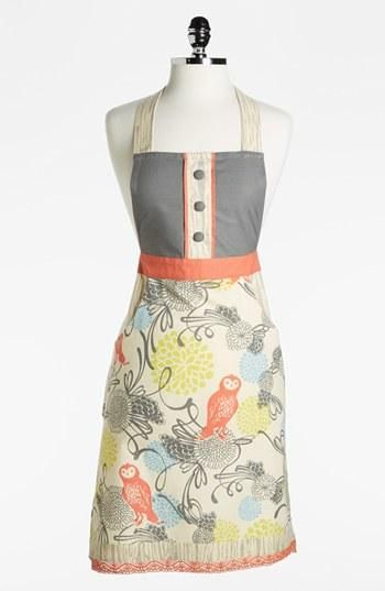 Great wedding shower gift: Owl apron with a favorite recipe card...  This could easily be sewn!