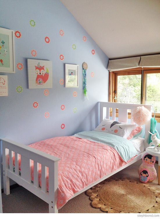 6 Year Bedroom Boy: Bondville: Bondville 5 Year Old Blue, Peach, Pink And