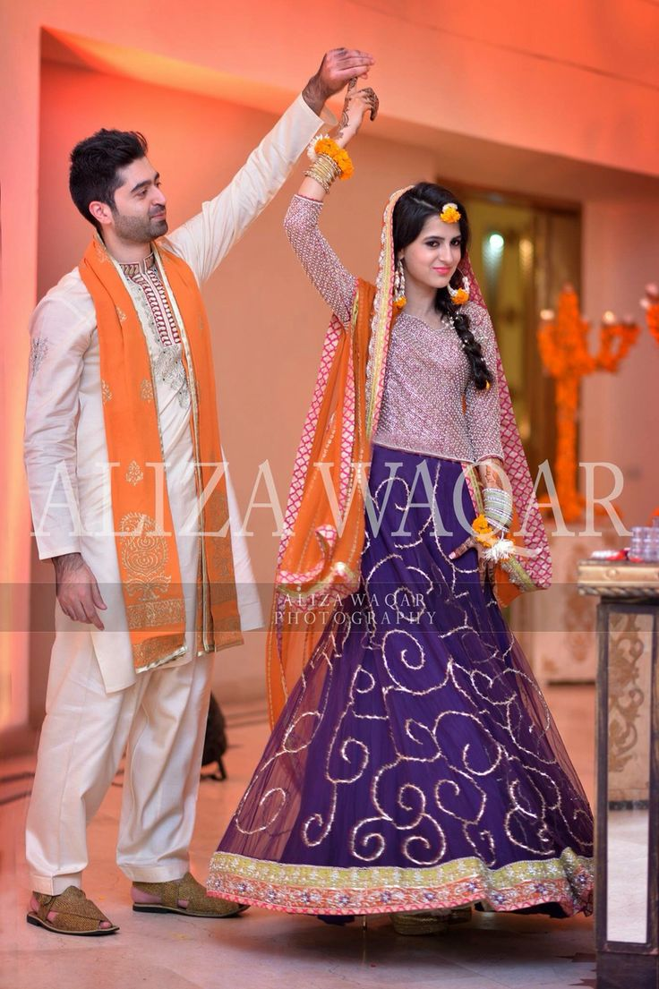 25 best ideas about mehndi dress on pinterest robe for Pakistani wedding mehndi dresses
