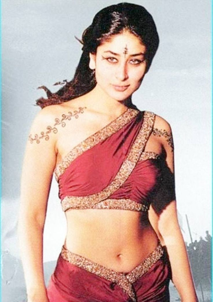Kareena kapoor black underwear in asoka — pic 9