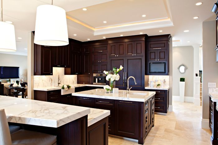 dark cabinets...light countertops