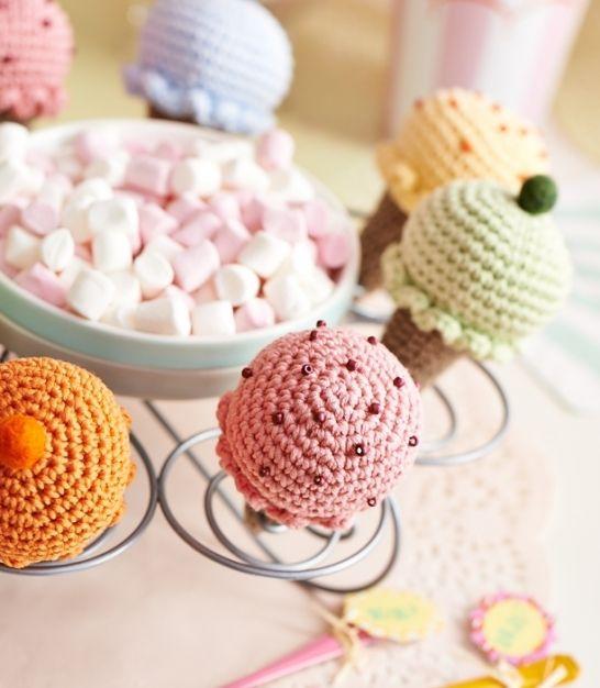 Free pattern - crochet ice creams
