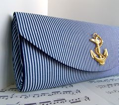 nautical clutch...I'm really into anchors now*