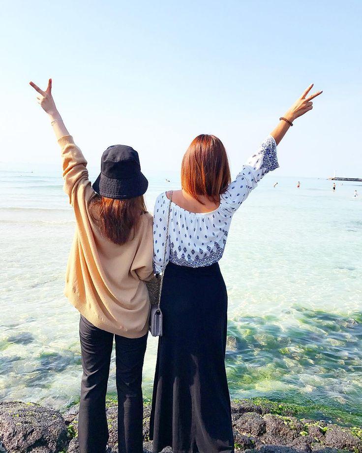 Sister love  #sisters #jeju #beach #traveler #traveling #korea #trip #happy #moment #free #제주 #행복 #사랑 #자유