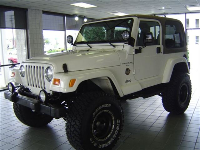 2000 JEEP WRANGLER 2DR SAHARA 4X4 SUV - LUUVVV MINE! Some day we will meet again - 4 door!!!