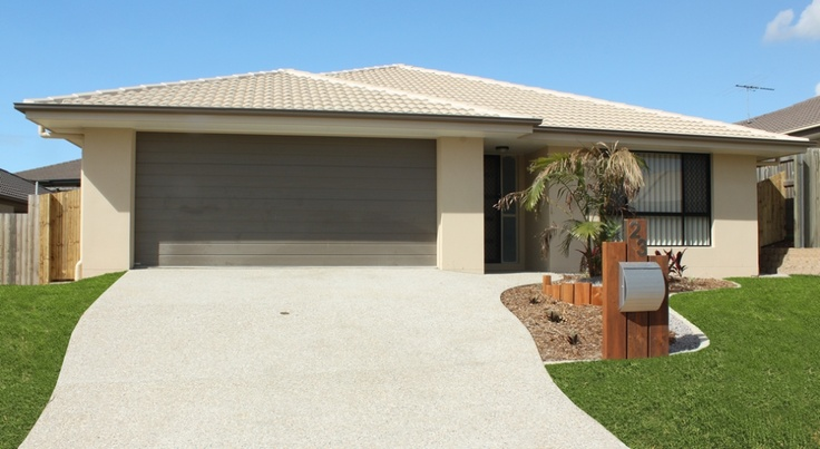 Piper Facade A, Double Garage is a very spacious five bed, two bathroom + media room family home, designed for a minimum of 16m frontage.