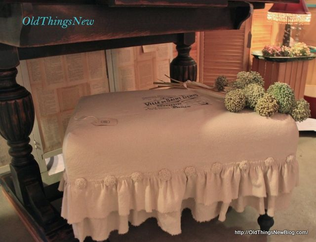 A Dropcloth Slipcover for an Old Bench - Old Things New Love this! love the rosette treatment.