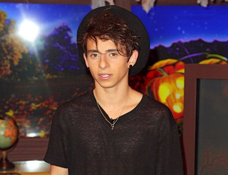 Moises Arias: 5 Things to Know About Willow Smith's Bedmate - Us Weekly